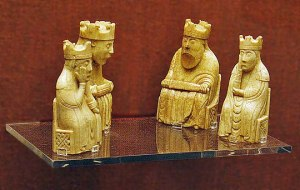 540px-UigChessmen_SelectionOfKings