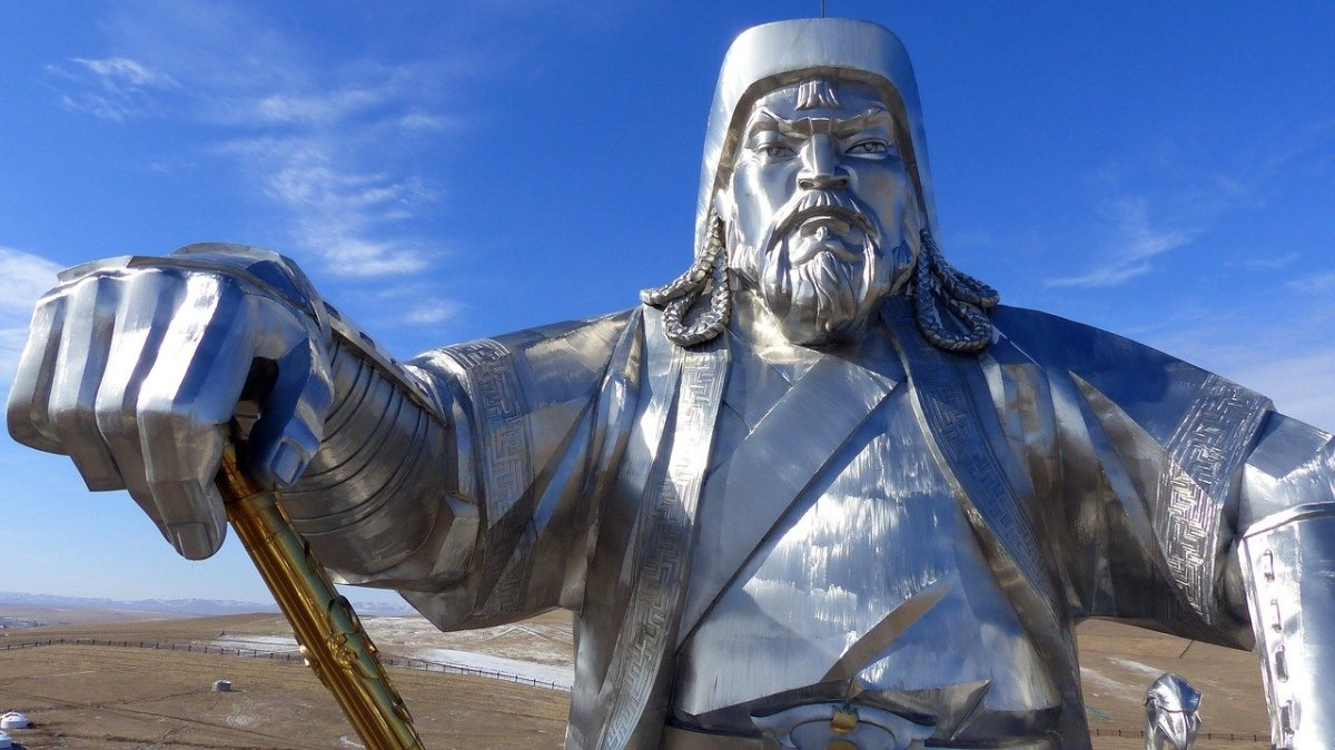 Marco Polo & Kublai Khan: Two Views